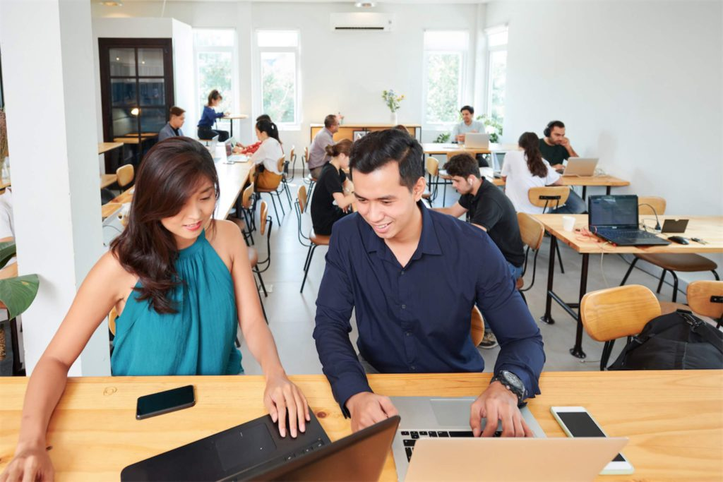 business-people-working-with-computers