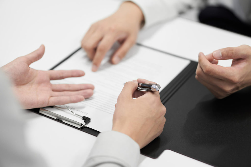 A lender explaining the terms of the hire purchase agreement to the hirer